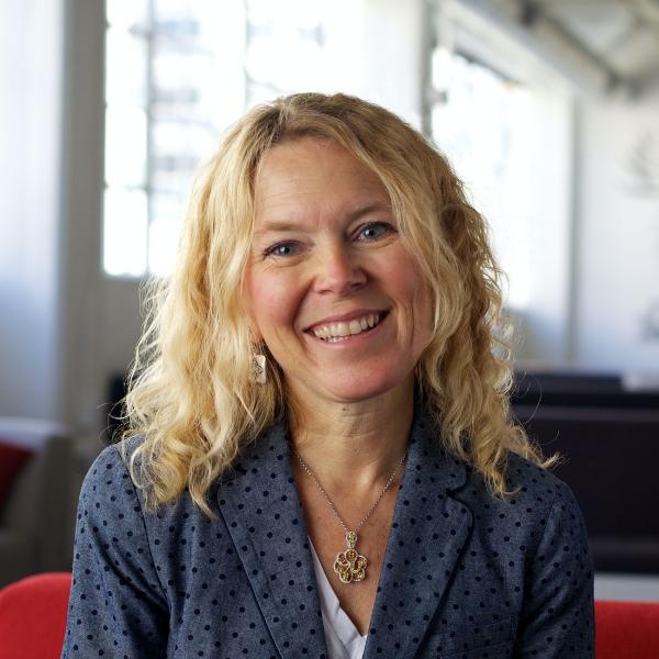 Lynda Kate Smith